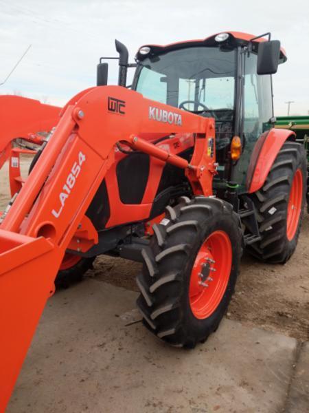 Kubota M5-111HDC12-1 Tractor