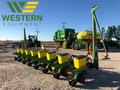 2009 John Deere 1700 Planter