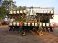 1998 John Deere 1700 Planter
