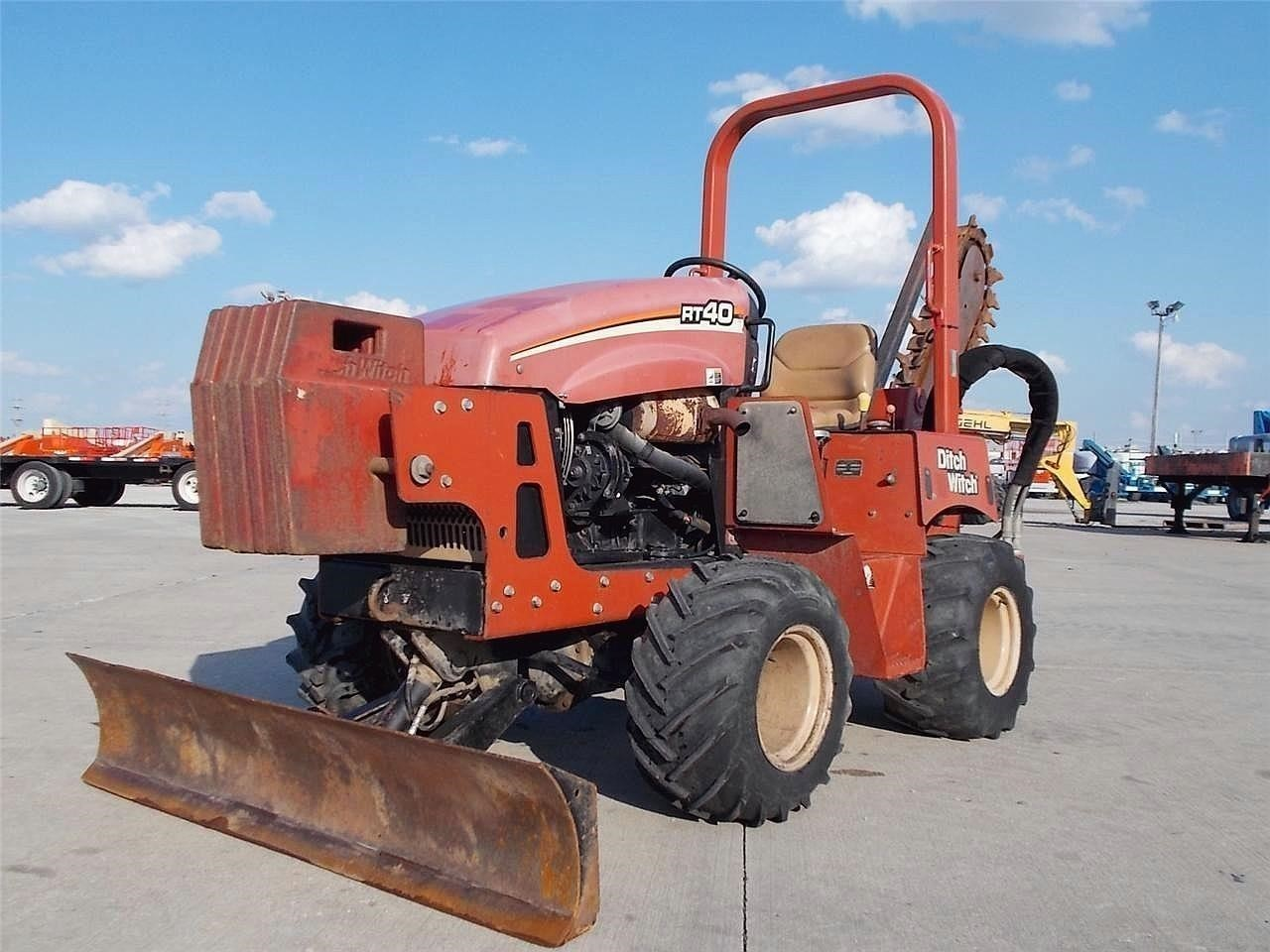 2005 Ditch Witch RT40 Backhoe