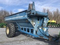 Kinze 840 Grain Cart