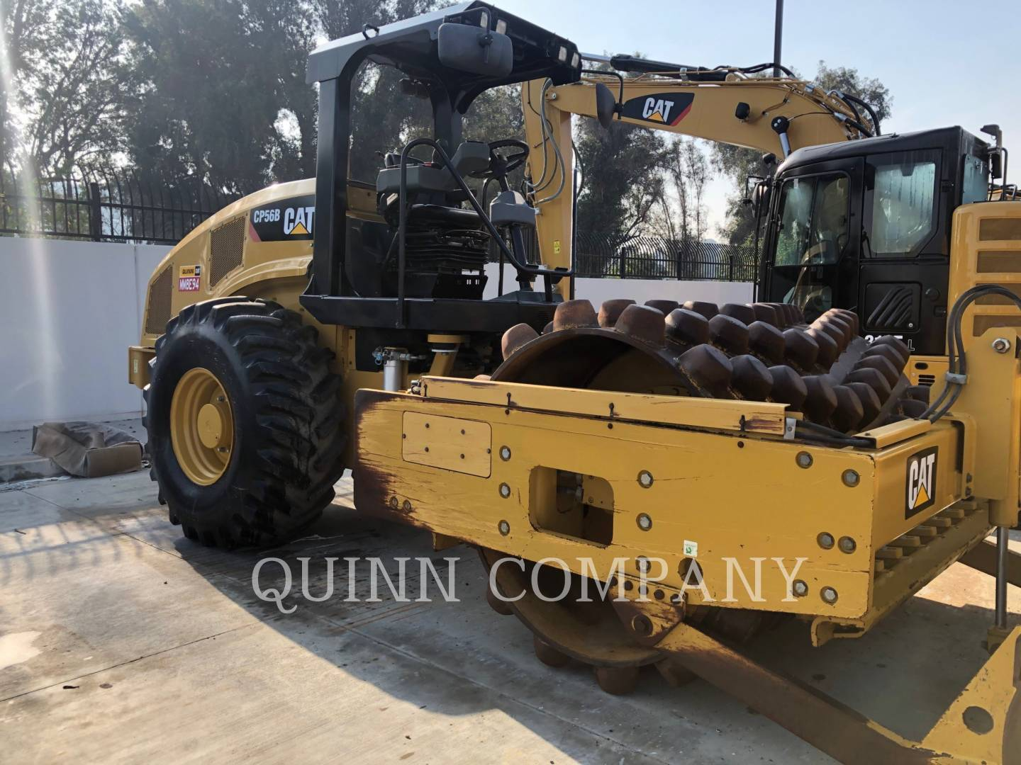 2013 Caterpillar CP56B Compacting and Paving