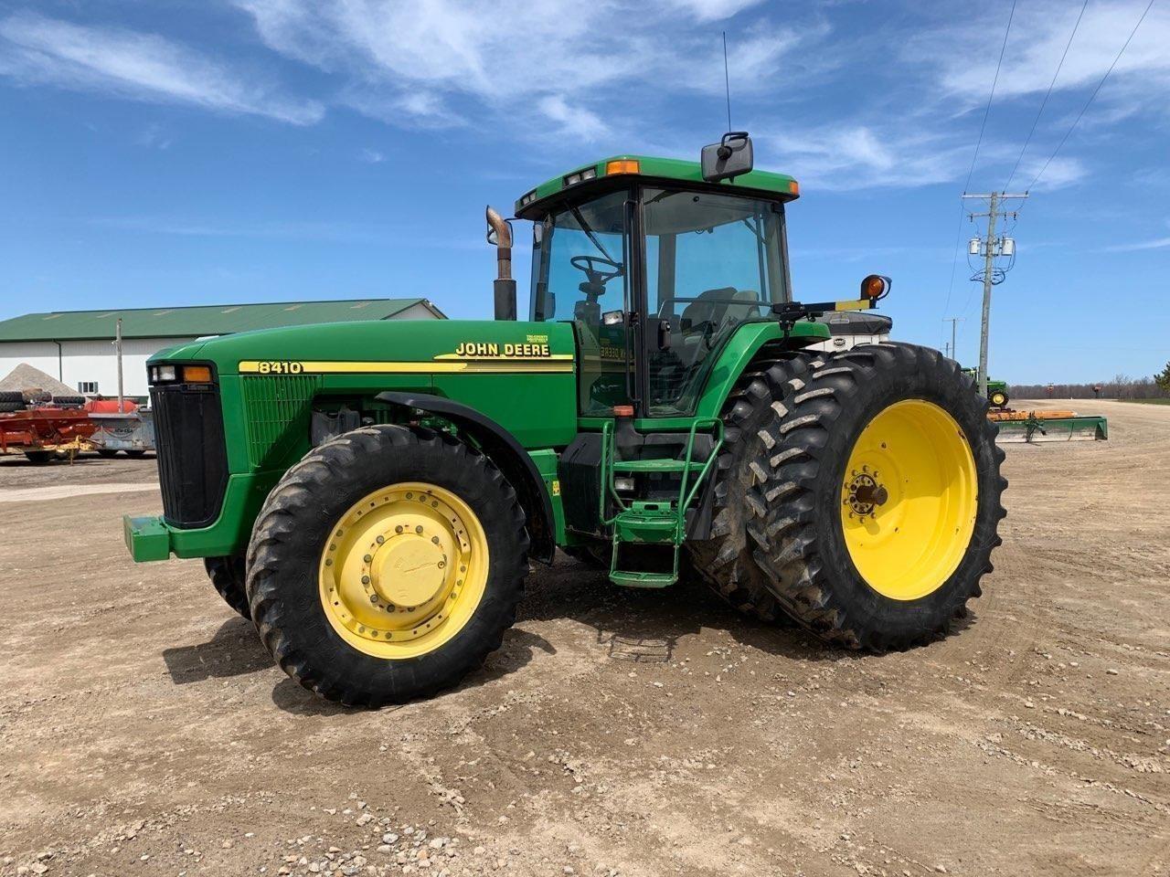 2000 John Deere 8410 Tractor