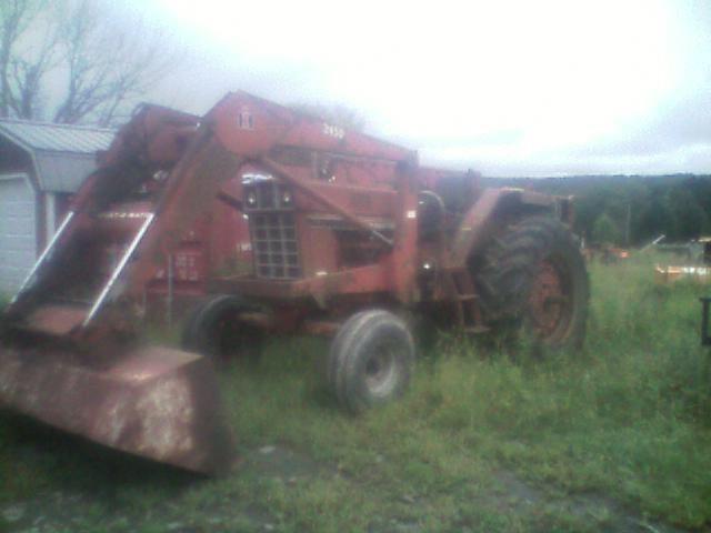 International 786 Tractor