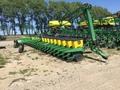 1997 John Deere 1710 Planter