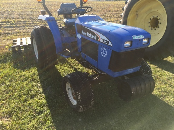 New Holland TC30 Tractor